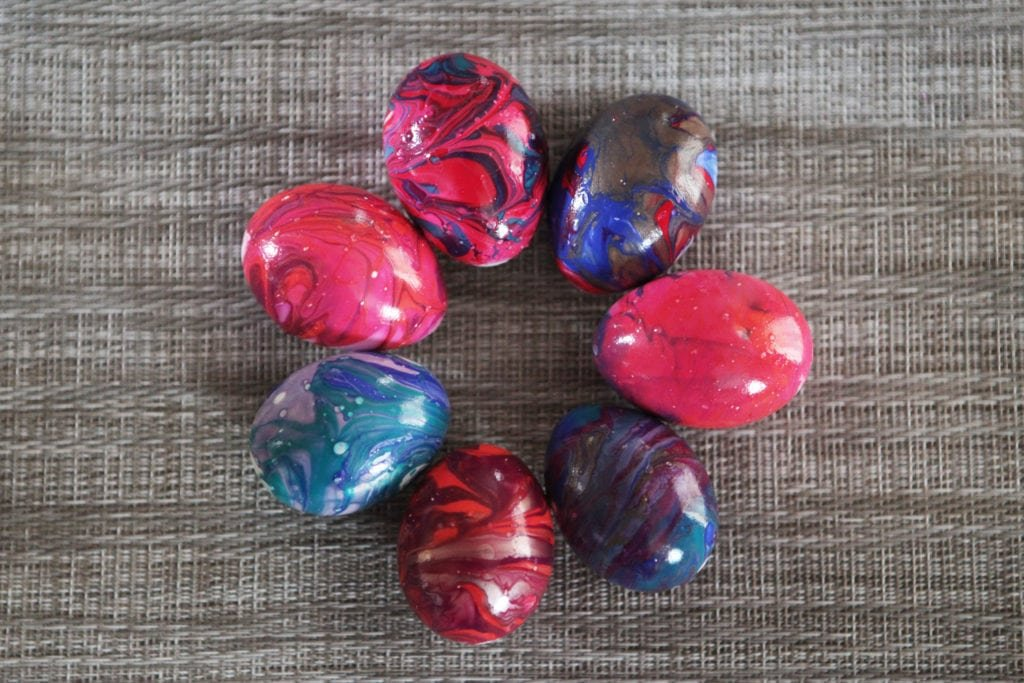 tie-dye easter eggs - The everyday mom life