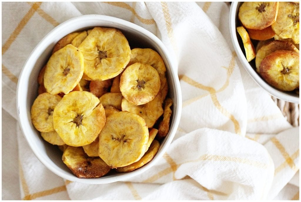The best baked plantain chips - The everyday mom life